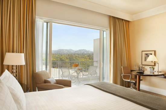 The Beverly Hilton: Wilshire Tower Deluxe King