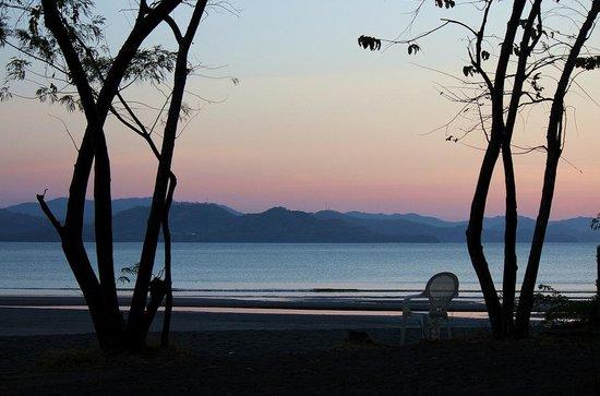 أليجرو باباجايو ريزورت - شامل جميع الخدمات: Beach view at night