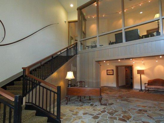 Arnold Palmer's Bay Hill Lodge : Vista dentro do hotél.