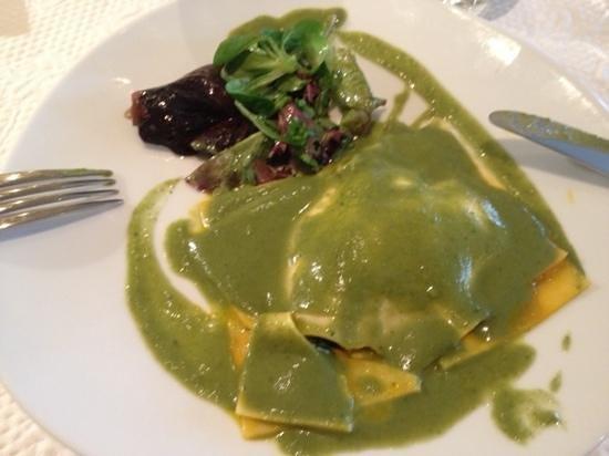 La Fourchette : ravioli d'epinard a la brousse.