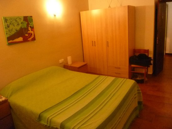Hotel Les Roques: Chambre n°4