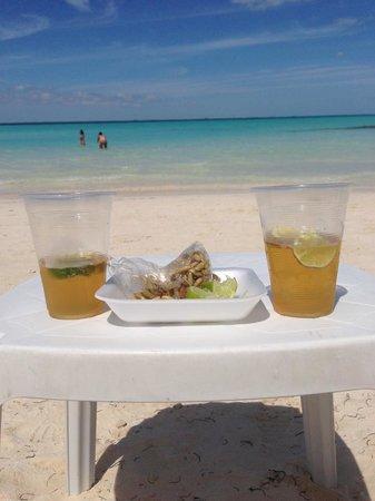 Villa del Palmar Cancun Beach Resort & Spa: Isla Mujeres, beach @ Sunrise Cafe