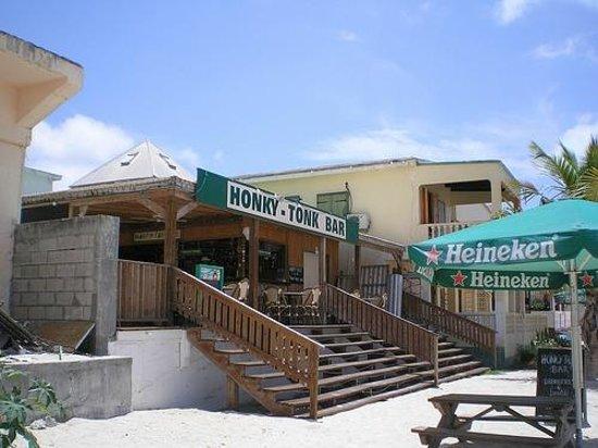 Honky Tonk Bar Philipsburg Menú Precios Y Restaurante