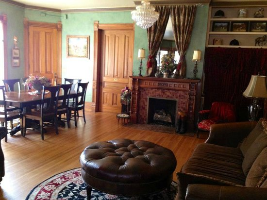 Victorian Inn Bed And Breakfast Sioux Falls