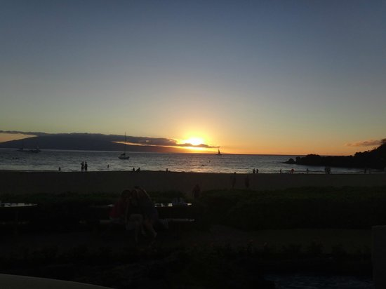Sheraton Maui Resort & Spa: Evening event at Black Rock