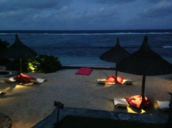 La Maison D'ete Hotel: illumination le soir.