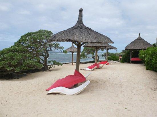 La Maison D'ete Hotel: espace entre la plage et la piscine