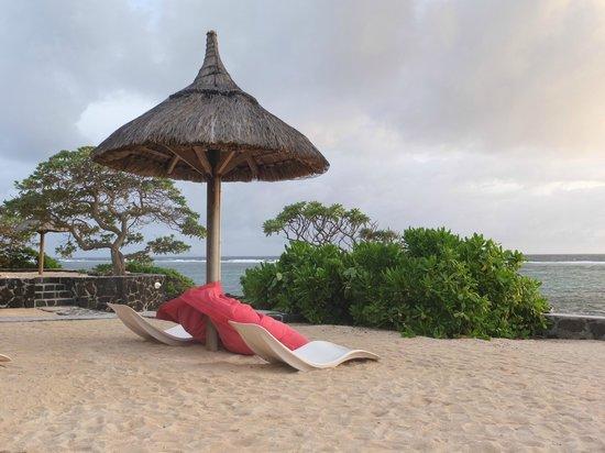 La Maison D'ete Hotel: espace entre piscine et plage