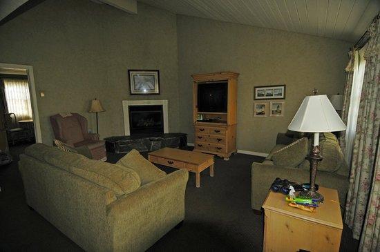 Sea Otter Inn: Living Area