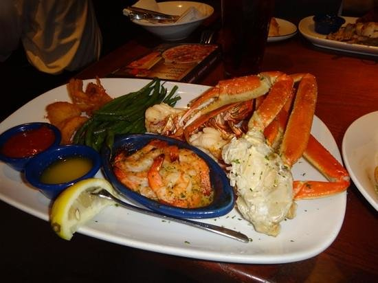 un plat combine de homard et fruits de mer picture of red lobster new york city tripadvisor. Black Bedroom Furniture Sets. Home Design Ideas