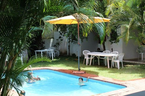 O Lar Do Ouro Guest Lodge: Poolside