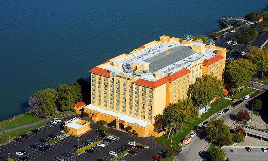 Embassy Suites by Hilton Hotel San Francisco Airport (SFO) - Waterfront: SFO Hotel with bay views