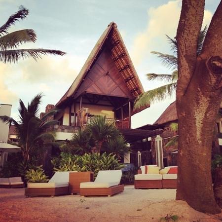 Angsana Balaclava Mauritius: beachfront villa