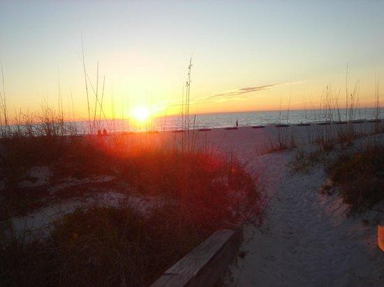 جيلف ستراند ريزورت: Walk to Beach