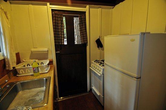 Ripplewood Resort: Kitchen