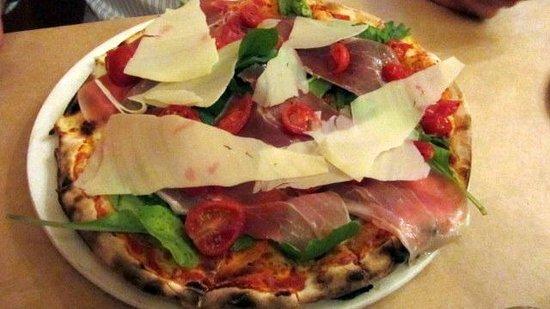 Col'Cacchio Pizzeria Foreshore: Juventina pizza with parma ham, rocket & parmesan