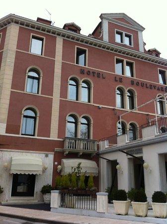 Le Boulevard Hotel: entrada principal