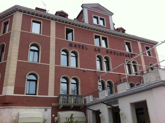 Le Boulevard Hotel: entrada gran via