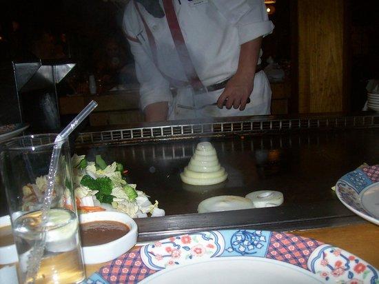 Mt Fuji Restaurant: Monte Fuji creato con gli anelli di cipolla