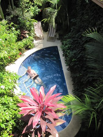Casa Cubana: View down to pool from Saffron Room