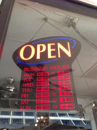 NYPD Bar & Pizza: hours