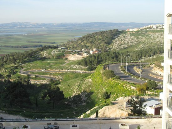 Golden Crown Nazareth Hotel: Jezreel Valley from room #815