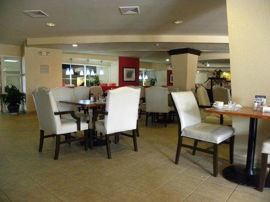 Deauville Beach Resort: Comedor