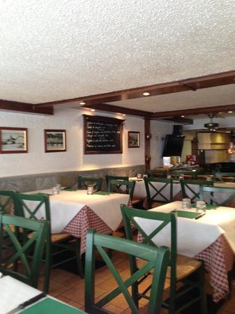 Le Capitaine : dining room