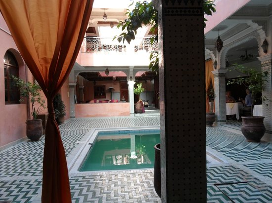 Riad Amssaffah: The tiny pool