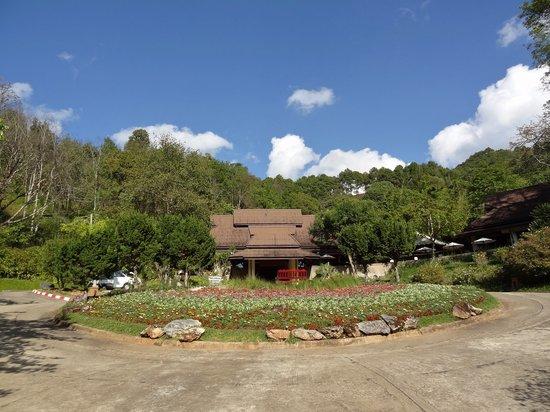 Angkhang Nature Resort : Entrance