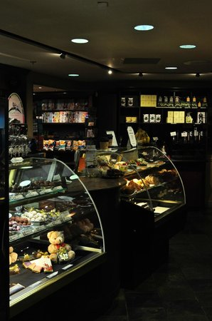 Rimrock Resort Hotel: Cafe inside hotel