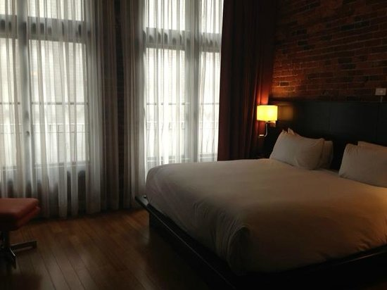 Le Petit Hotel: Great room