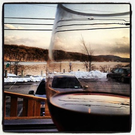 Bocci's Italian Village: Delicious cabernet overlooking their view of the lake.