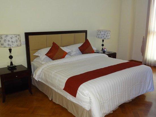 Mawlamyaing Strand Hotel: Strand Hotel Room