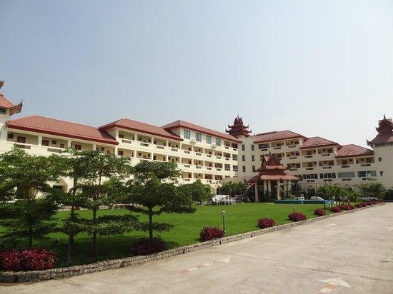 Mawlamyaing Strand Hotel: Strand Hotel