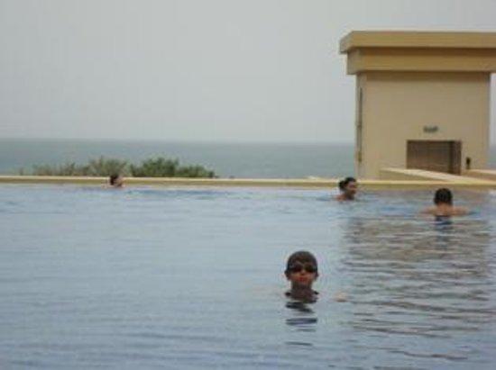 JA Ocean View Hotel: pool and view