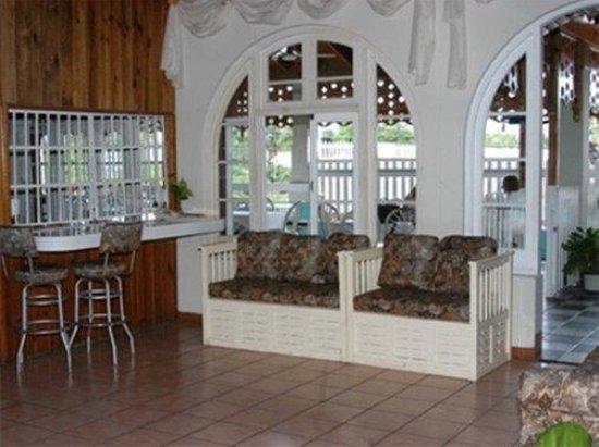 Village Hotel : Interior