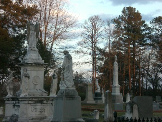 Jefferson, TX: Old Oakwood Cemetery - monuments at sundown