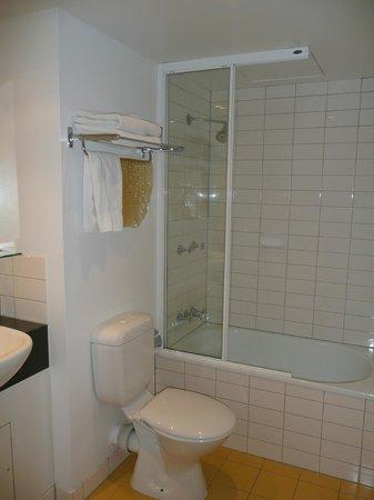 โรงแรมไอบิส เมลเบอร์น ลิทเทิล เบิร์ก สตรีท: Clean but very basic