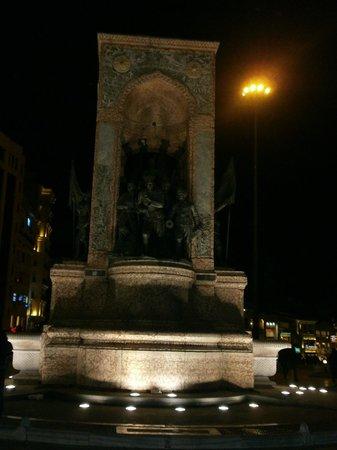 Riva Hotel: taxim square