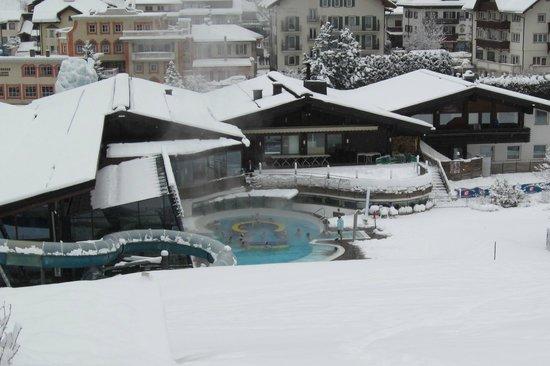 Mar Dolomit: Outside Pool