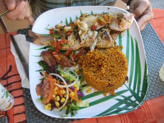 Flamingo Beach Resort: food