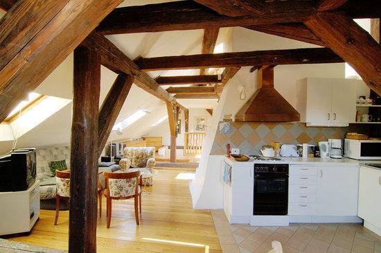 Eclectic Apartments : Loft - the kitchen