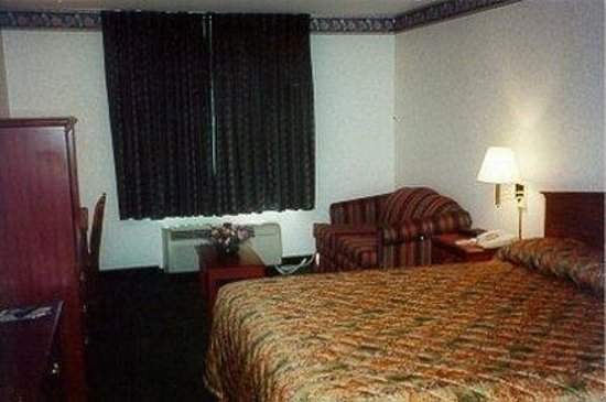 Americas Best Value Inn: Guest Room (king)
