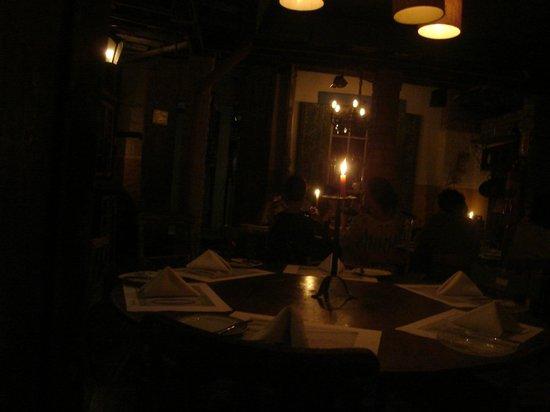 Santa Gula : À luz de velas...