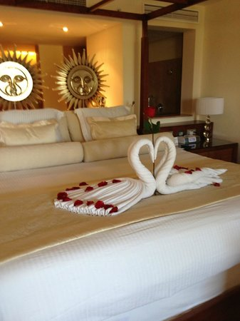Excellence Playa Mujeres: Our bed