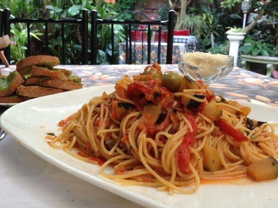 Cafe Mariane: Spaghetti Mediterraneé