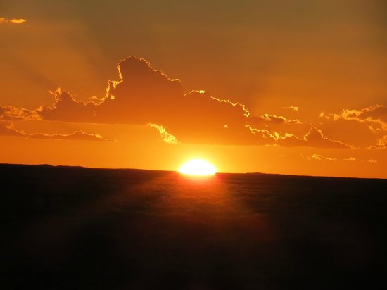 Arid Areas Day Tours: Outback Sunset