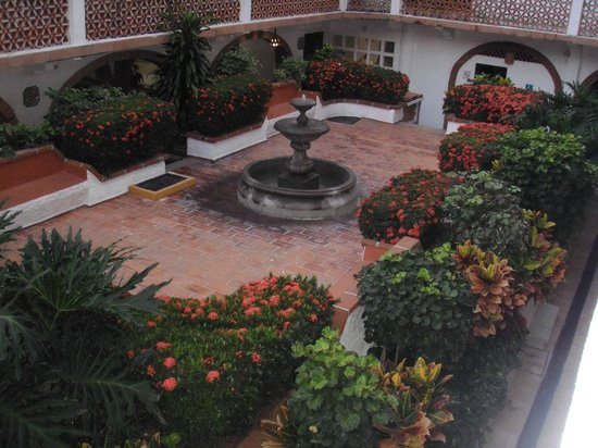 Rosita Hotel: Zona de descanso frente a recepción