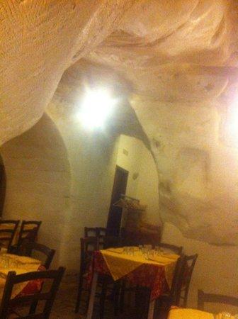 Ristorante Nadi: Interno scavato nei sassi di Matera